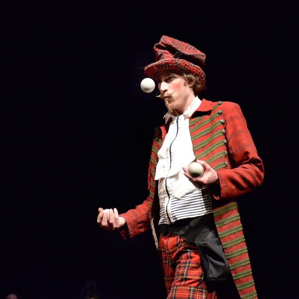 Boka jonglör Rasmus Wurm
